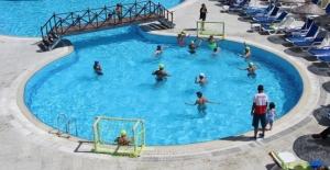 Doğu'da kış çilesi, Bodrum'da yaz neşesi