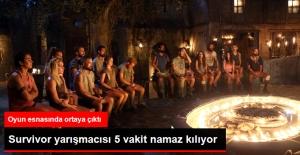 Survivor'da Gönüllüler Takımından Volkan, 5 Vakit Namaz Kılıyor