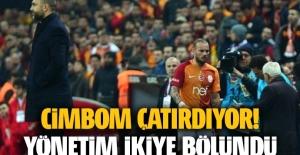 Wesley Sneijder'in kalıp kalmayacağı konusunda yönetim ikiye bölündü