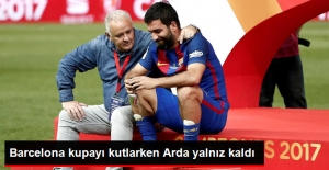 Arda Turan, Barcelona'nın Şampiyonluk Kutlamalarında Yalnız Kaldı
