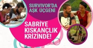 Survivor'da aşk üçgeni Sabriye'den Adem'e olay Berna sorusu ilginççç