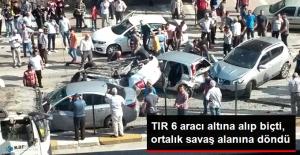 Karamürsel'de Karşı Şeride Geçen TIR 6 Otomobili Biçti: 8 Yaralı