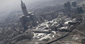 Suudi Arabistan'da güvenlik güçleri Mescid-i Haram'a yönelik bir saldırıyı engelledi