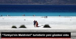 """Turistlerin Yeni Gözdesi: """"Türkiye'nin Maldivleri"""" Salda Gölü"""