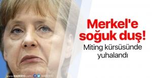 Ömer Çelik'ten Merkel'in küstah sözlerine yanıt