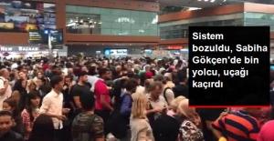 """Sabiha Gökçen Havalimanı'nda """"Polnet"""" Kuyruğu! Bin Yolcu Uçağını Kaçırdı"""