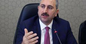 Adalet Bakanı Gül: Kılıçdaroğlu siyasetin Fuat Avni'si