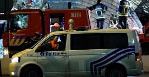 Belçika'nın Antwerp kentinde patlama sonucu bina yıkıldı: 20 kişi yaralandı.
