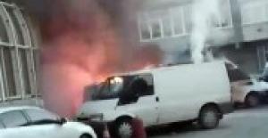 Beyoğlu'nda 3 araç alev alev yandı! Kundaklama mı?