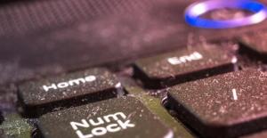 Bilgisayarınızın o parçası tehlike saçıyor! Klozet kapağından 400 kat kirli!
