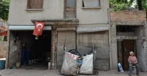 Türkiye'yi ağlatan Nuriye nineden insanlık dersi!