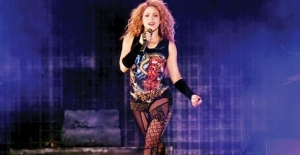Shakira Boğaz'ı salladı! Ünlüler akın etti...