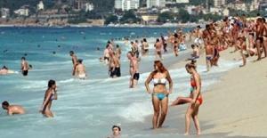 Turistlere İslam'ı anlatacak!!!!HOCALAR SAHILE INIYORLAR... :D :D :D