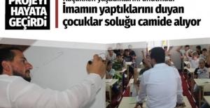 Kocaeli'de sıra dışı imam yaptıklarını duyanlar soluğu camide alıyor