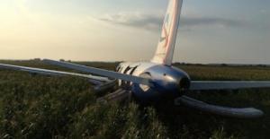 bHavada korku dolu anlar… Rus uçağı.../b