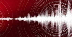 Son dakika! Erzincan'da korkutan deprem! Büyüklüğü...