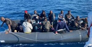 Ayvalık açıklarında Yunanistan'ın ölüme terk ettiği göçmenler kurtarıldı
