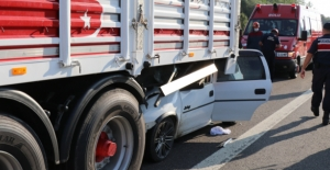 Bolu'da araç TIR'ın altına girdi! Korkunç kazada feci şekilde can verdiler