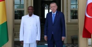 Cumhurbaşkanı Erdoğan Girne Cumhurbaşkanı ile görüştü