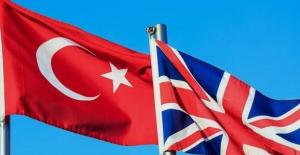 İngiltere kırmızı listede tuttuğu Türkiye'ye seyahat engelini kaldırıyor