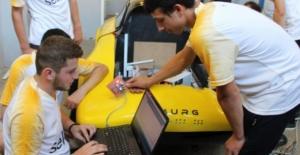 """Lise öğrencilerden büyük başarı! """"Simurg"""" isimli araç, 1 TL'ye 100 kilometre gidebiliyor."""