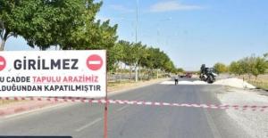 Konya'da arsasından geçen yolu açtıran savcı hakkında suç duyurusunda bulundu