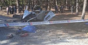 Afyon'da feci kaza! Öğrenci servisi ormanlık alana uçtu ikiye ayrıldı: Ölü ve yaralılar var