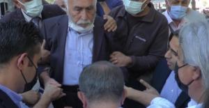 Ahmet Davutoğlu'na tepki gösteren vatandaş, o anları anlattı