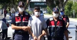 Antalya'da güvenlik görevlisini boğazından yaralayan otel çalışanı tutuklandı