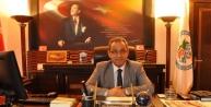 Başkanlık Koltuğuna 1 Günlüğüne Oturdu, Başkan Yardımcısını Görevden Aldı
