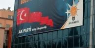 Chp'li Özcan'dan, Kamu Binasina Asilan Başbakan Pankartina Tepki