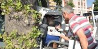 Kütahya'da Kamyonet İle Otobüs Çarpişti
