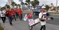 Lösemiye Dikkat Çekmek İçin Mersin'den Ankara'ya Yürüyor