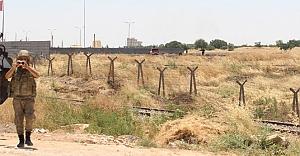 Sınıra mayın döşeyen IŞİD'liler ilk defa yakından görüntülendi