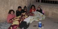 Sokakta Kalan 80 Suriyeli'ye Kaymakam Sahip Çikti