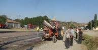Tır, Traktöre Çarpti: 1 Ölü, 5 Yaralı