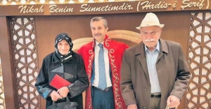 90 yaşında evlendiler