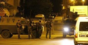 Van'da gece yarısı hain saldırı