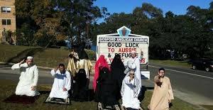 Müslüman kılığına girip Kilise'ye saldırdılar