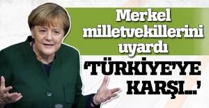 Angele Merkel'den grup toplantısında Türkiye açıklaması