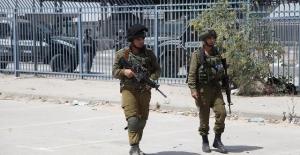 İsrail polisi bir Filistinliyi daha katletti