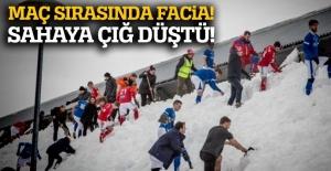 İzlanda'daki futsal maçında salonun çatısına çığ düştü