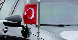 Makedonya'da makam aracındaki Türk bayrağına saldırı girişimi