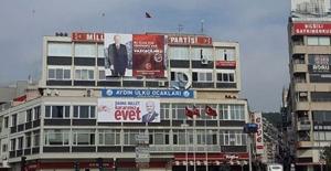 MHP binasına Binali Yıldırım posteri