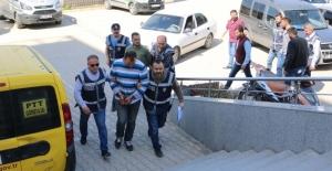 Başından vurularak öldürülen kişinin cesedini vatandaşlar buldu