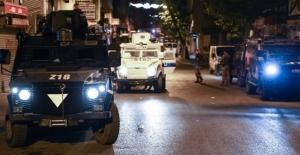 İstanbul Beyoğlu'nda polise silahlı saldırı!