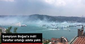 Beşiktaşlı Taraftarlar, Boğaz'da Gemilerle Şampiyonluğu Kutluyor