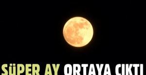 Süper Ay İstanbul semalarında