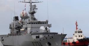 Fransız gemisi Çin sularına illegal olarak girdi
