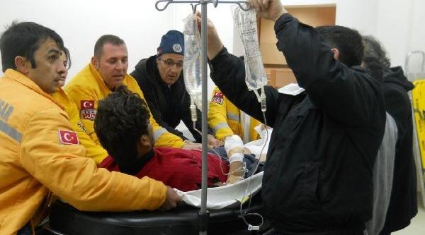 Tinerle Soba Yakmak Isteyen 6 Işçi Yaralandi